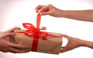 Adózás az év végi ajándékozásnál